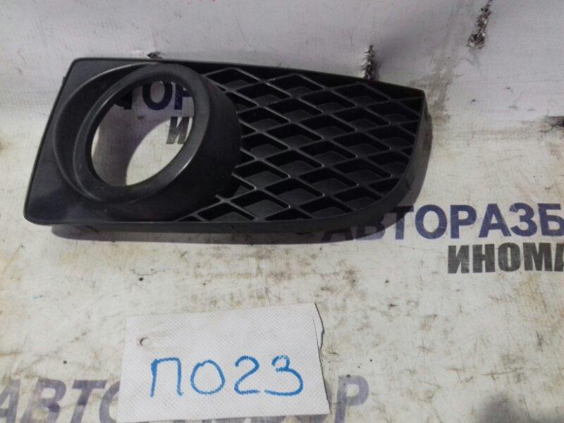 Накладка противотуманной фары Mazda Premacy CP19P передняя левая нижняя (б/у)