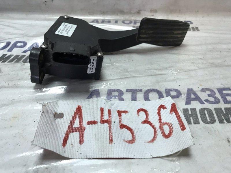 Педаль газа Lada Priora 2170 левая (б/у)