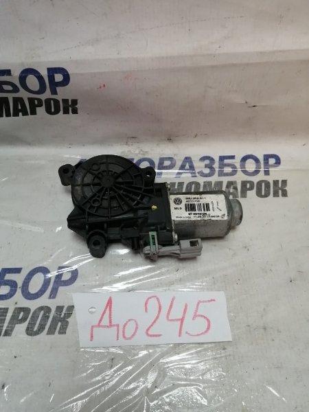Мотор стеклоподъемника Volkswagen Polo 601 задний правый (б/у)