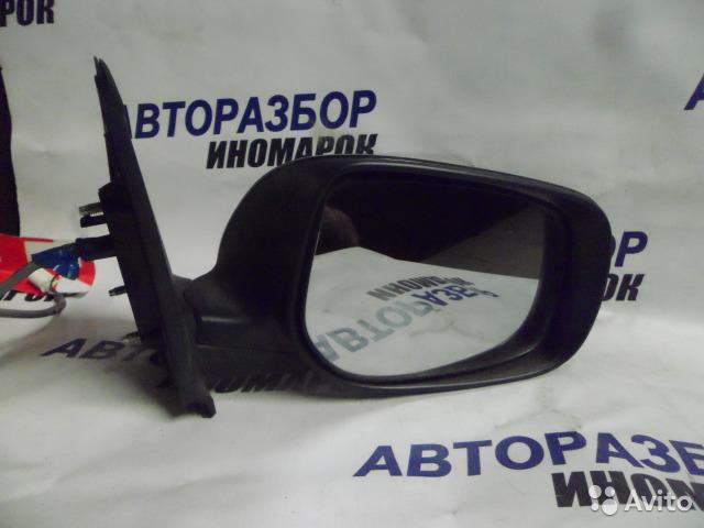 Зеркало правое Toyota Ist NCP60 переднее правое (б/у)