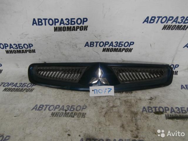 Решетка радиатора Mitsubishi Colt Z21A передняя верхняя (б/у)