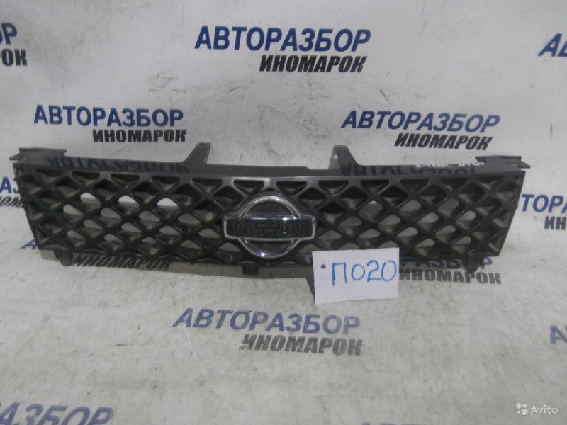 Решетка радиатора Nissan X-Trail NT30 передняя верхняя (б/у)
