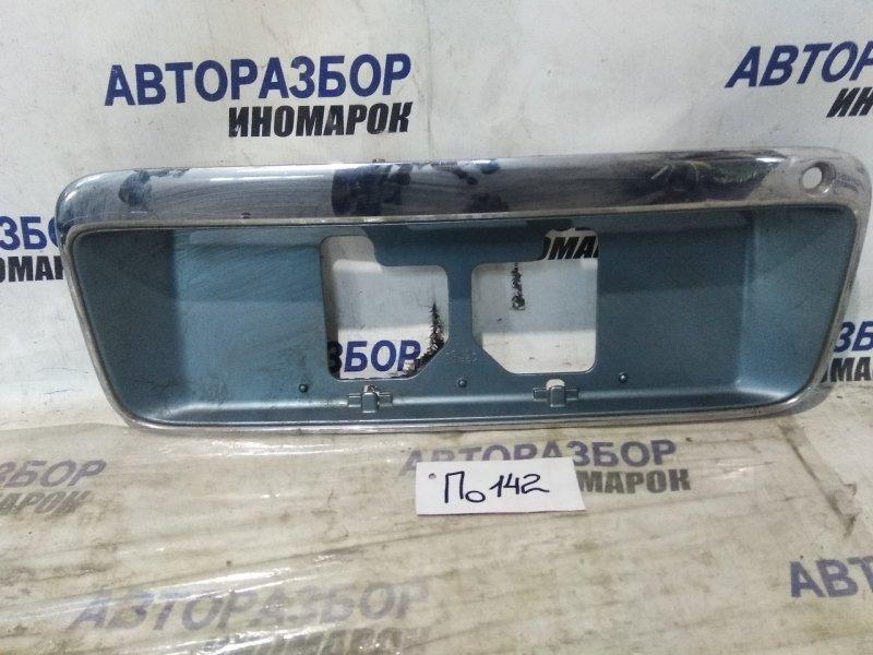 Накладка под номер Honda Odyssey RA1 задняя (б/у)