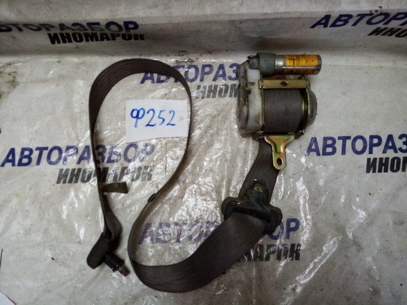 Ремень безопасности передний правый Toyota Estima ACR30 2000 передний правый (б/у)