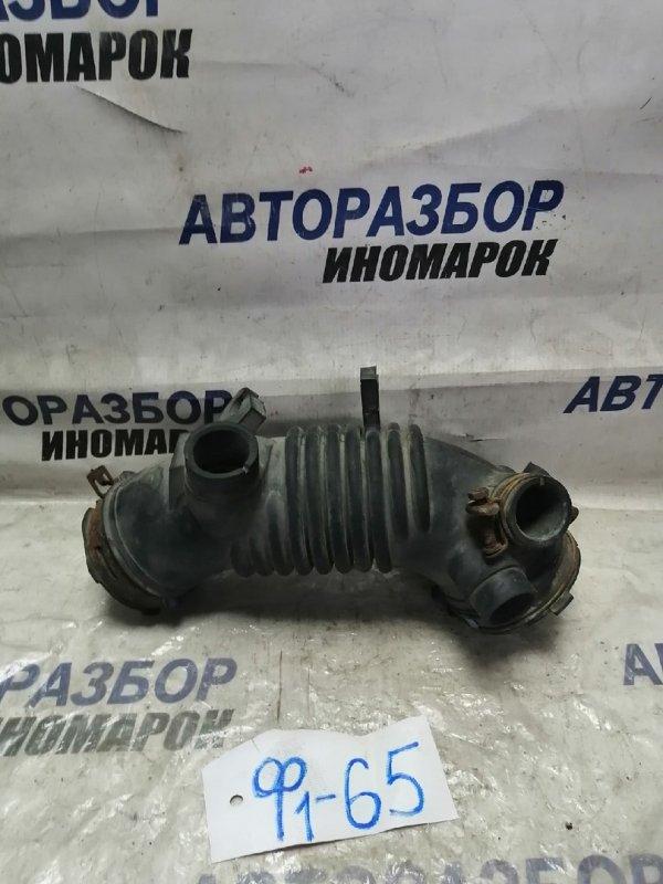 Патрубок воздушного фильтра Toyota Venza AGV10 1ARFE (б/у)