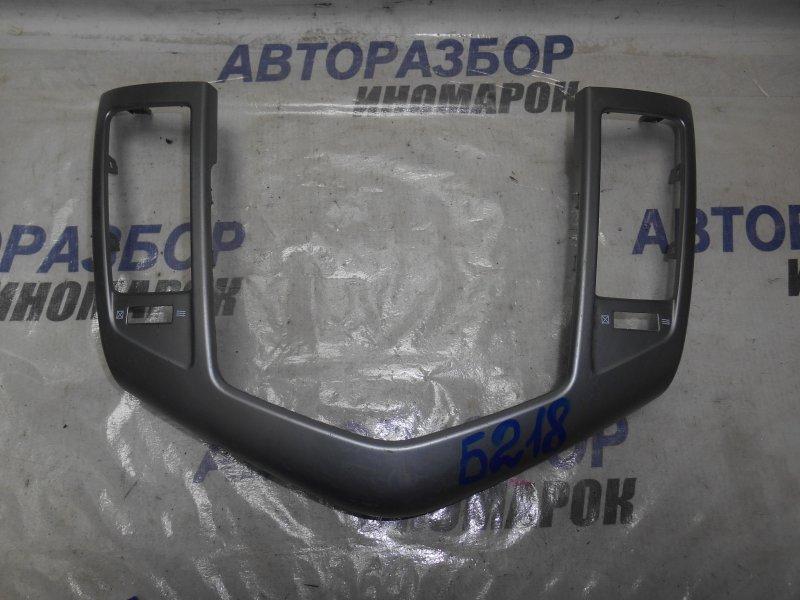 Накладка консоли центральной Chevrolet Cruze J300 (б/у)