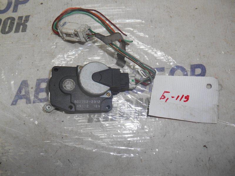 Сервопривод заслонок печки Nissan Ad PC24 передний (б/у)