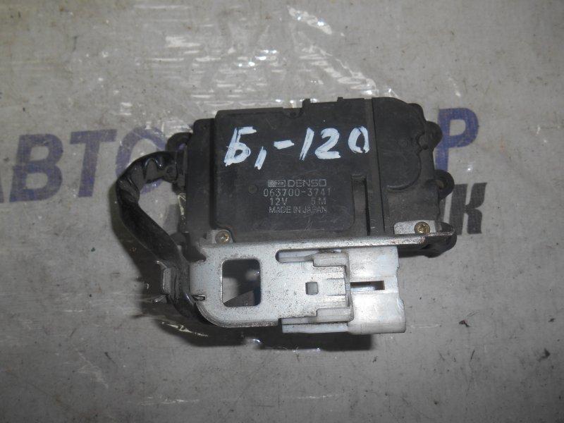 Сервопривод заслонок печки Toyota Corolla Ceres AE100 передний (б/у)