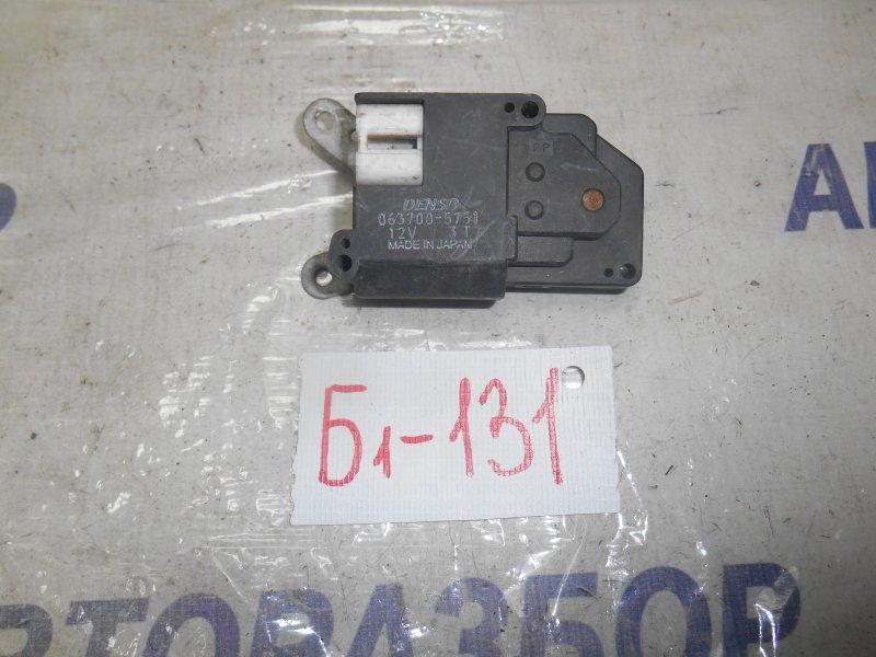 Сервопривод заслонок печки Toyota Corolla AE111 передний (б/у)