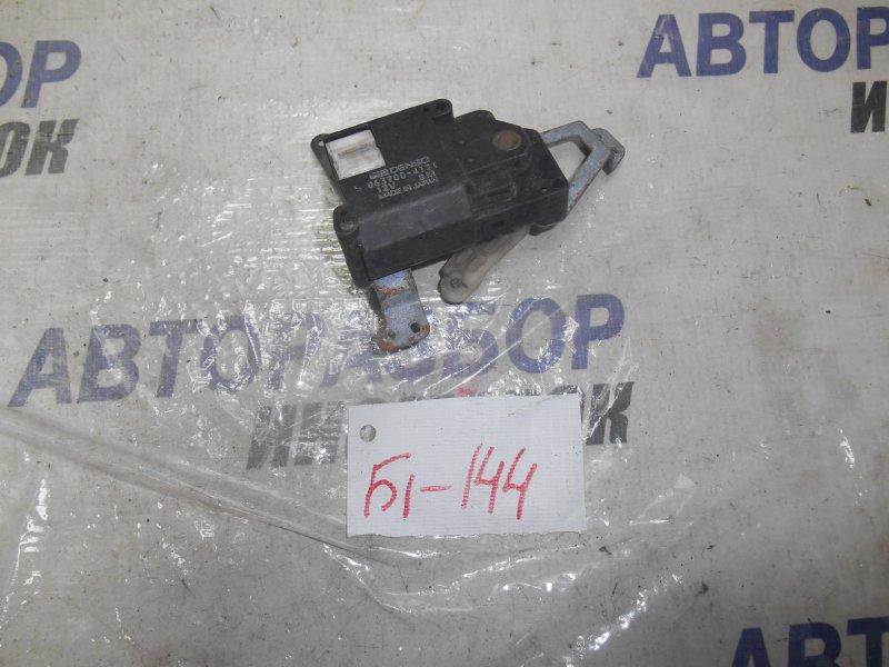 Сервопривод заслонок печки Toyota Caldina AT190 передний (б/у)