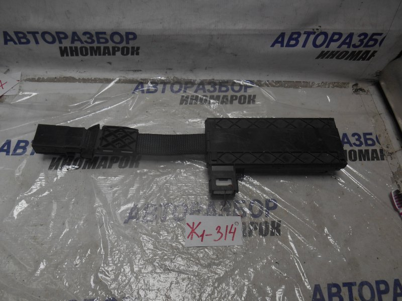 Доводчик крышки багажника Lexus Gs300 GWS191 (б/у)