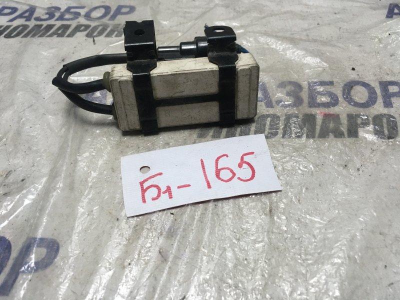 Резистор вентилятора охлаждения Toyota Echo NCP10 передний (б/у)