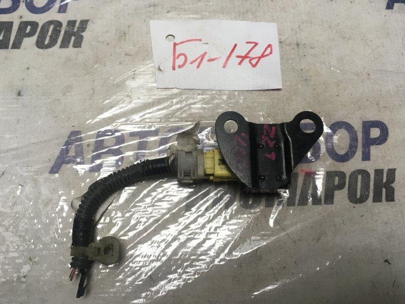 Датчик airbag Toyota Allion AZT240 (б/у)