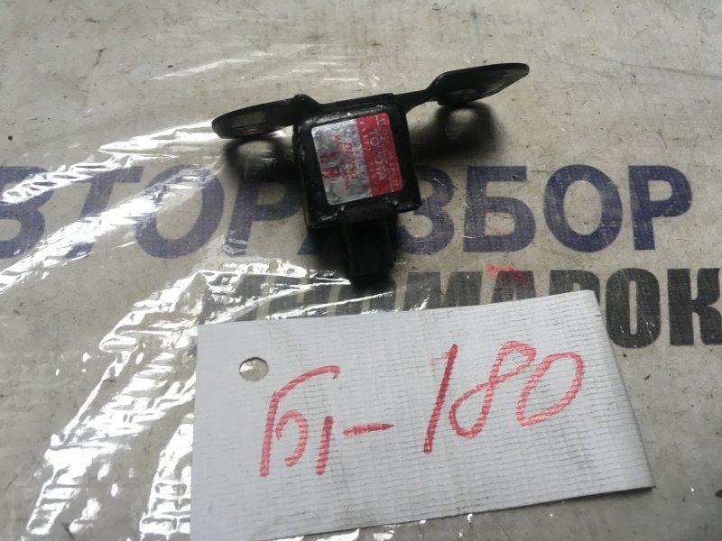 Датчик airbag Toyota Caldina TOYOTA CALDINA передний левый (б/у)