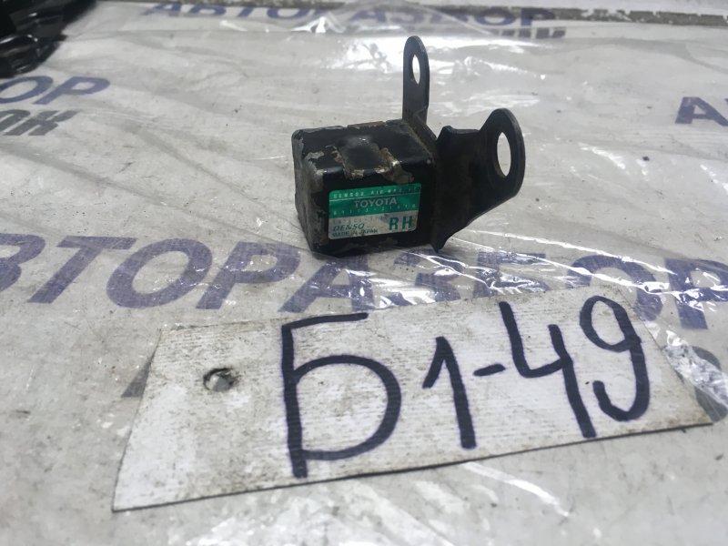 Датчик airbag Toyota Caldina AT211 передний правый (б/у)