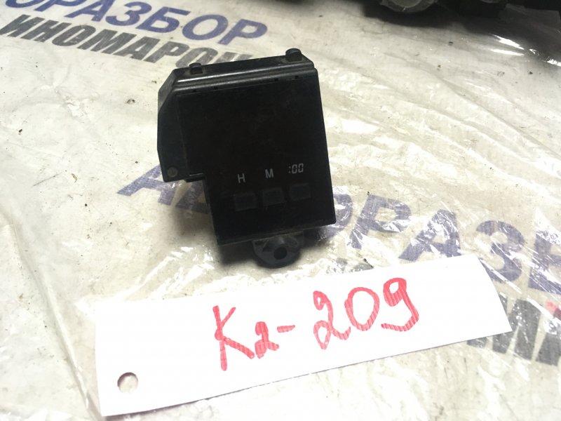 Часы Toyota Corolla AE100 (б/у)
