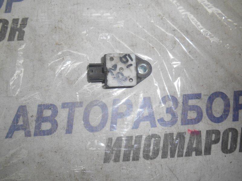 Датчик airbag Toyota Avensis ADT250 передний правый (б/у)