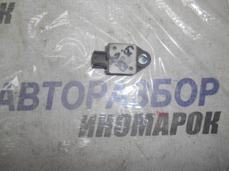 Датчик airbag Toyota Avensis ADT250 передний левый (б/у)