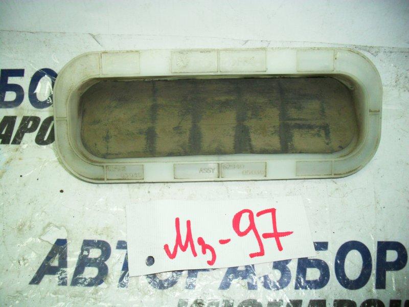 Решетка вентиляционная Toyota Avensis ADT250 1ZZFE задняя левая нижняя (б/у)