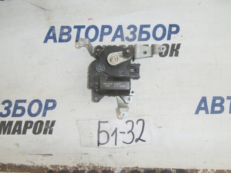 Сервопривод заслонок печки Lexus Lx470 UZJ100 передний (б/у)