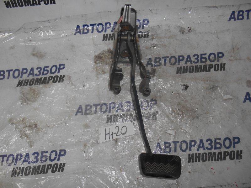 Педаль тормоза Scion Xb AZE151 1ADFTV передняя левая нижняя (б/у)
