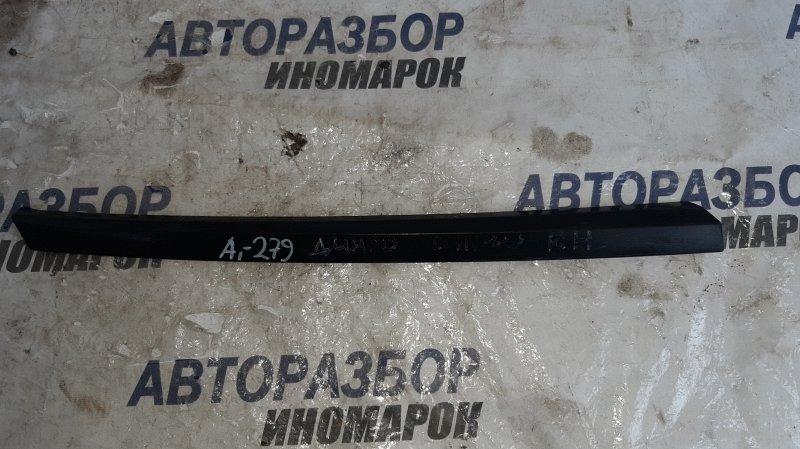 Накладка стекла Mitsubishi Dingo CQ1A задняя правая нижняя (б/у)