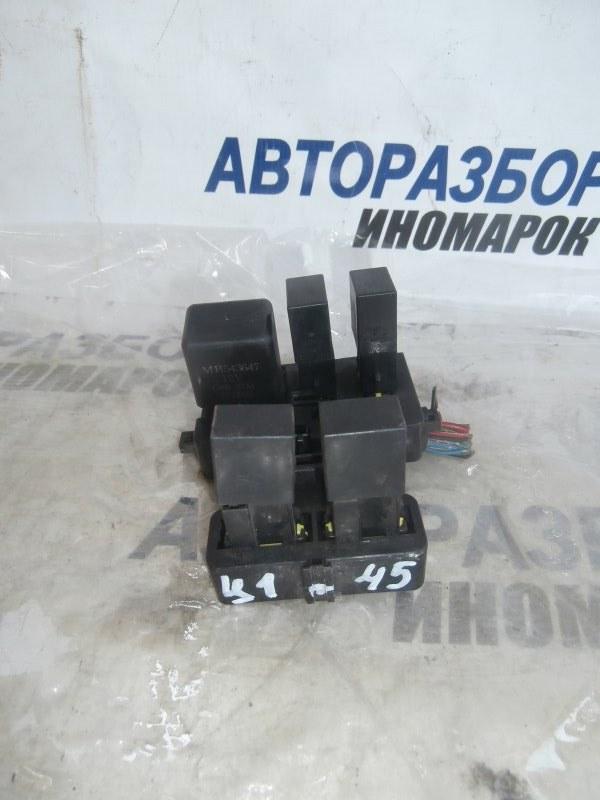 Блок предохранителей, реле Mitsubishi Delica P03W (б/у)