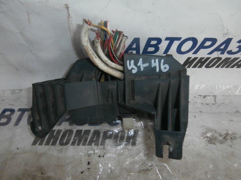 Блок предохранителей, реле Nissan Avenir PNW11 QG18DE передний (б/у)