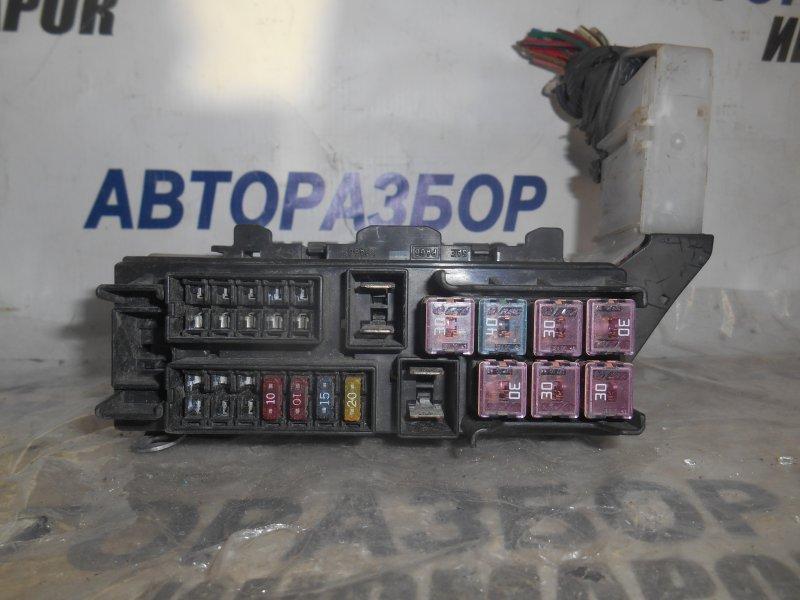 Блок предохранителей, реле Nissan Ad VENY11 передний (б/у)