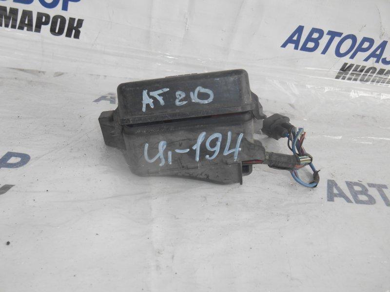 Блок предохранителей, реле Toyota Caldina AT191 передний (б/у)
