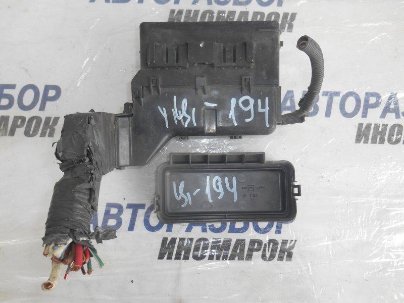 Блок предохранителей, реле Nissan Ad N16 передний (б/у)