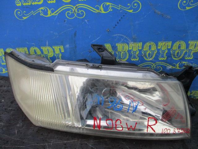 Фара Mitsubishi Chariot N96W передняя правая