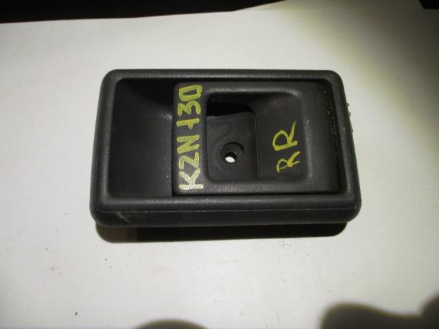 Ручка двери внутренняя Toyota Surf KZN130 1KZ задняя правая