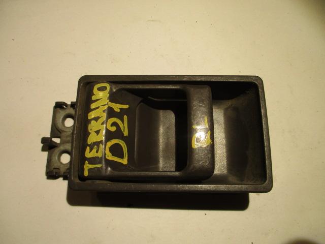 Ручка двери внутренняя Nissan Terrano D21 задняя правая