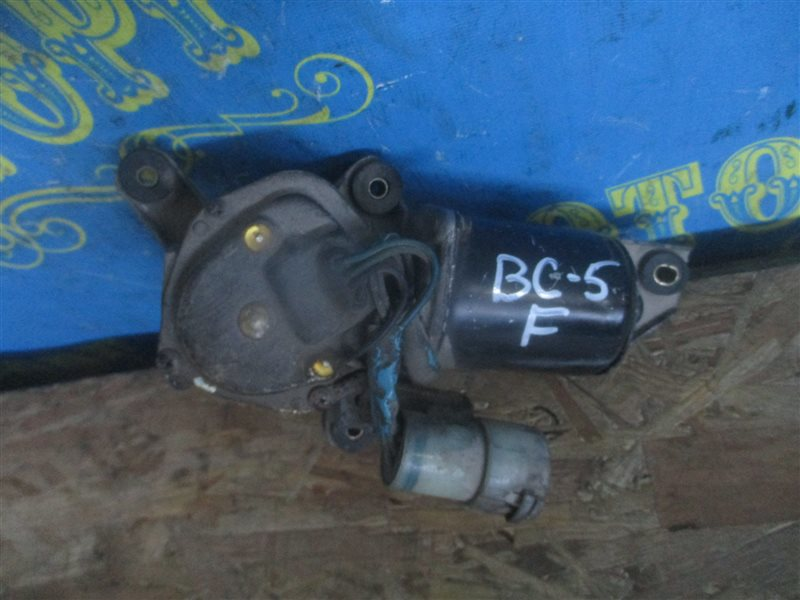 Мотор дворников Subaru Legacy BC5 передний