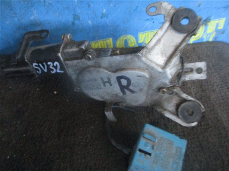 Мотор дворников Toyota Camry SV32 задний