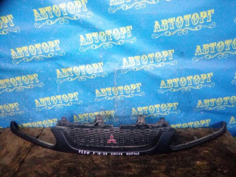 Решетка радиатора Mitsubishi Delica PE8W 4M40 1999