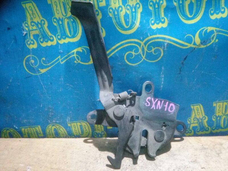 Замок капота Toyota Nadia SXN10