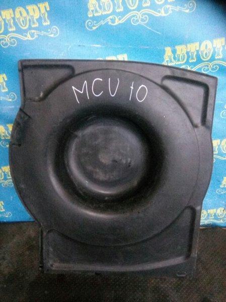 Пол багажника пластик Toyota Harrier MCU10