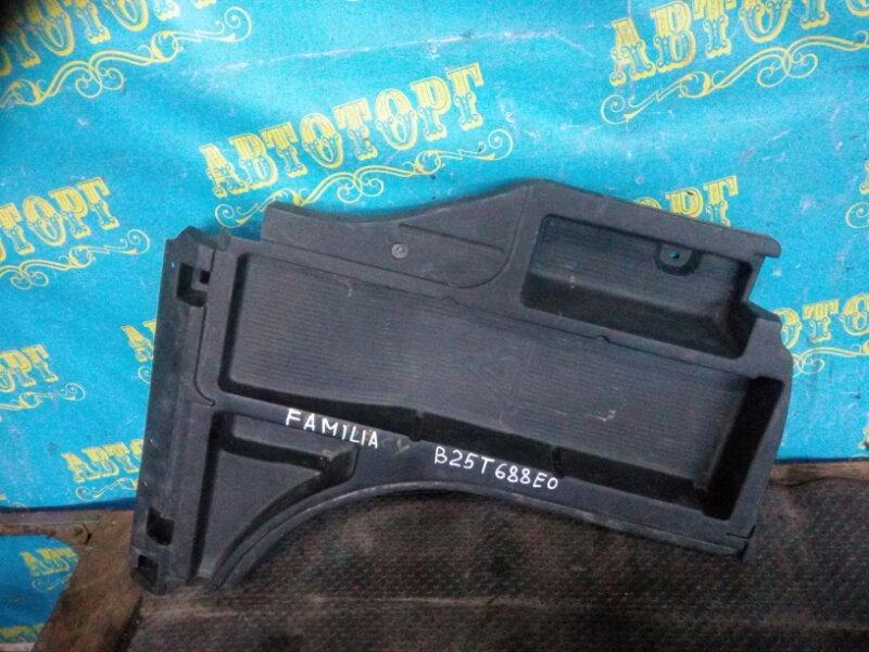 Пол багажника пластик Mazda Familia BJ5W правый