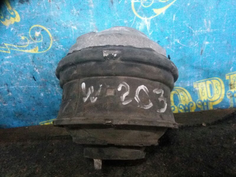 Подушка двигателя Mercedes C-Class W203 111