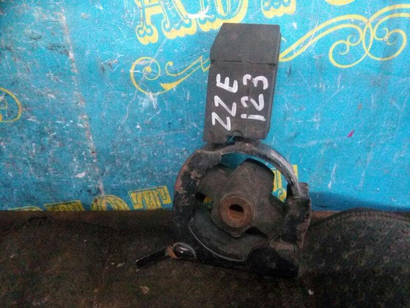 Подушка двигателя Toyota Corolla Fielder ZZE 123 передняя
