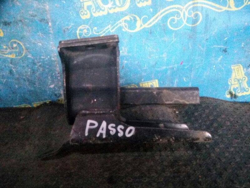 Подушка двигателя Toyota Passo KGC10 1KR передняя левая