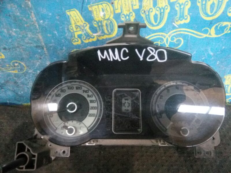 Щиток приборов Mitsubishi Pajero V83W 4M41 2010