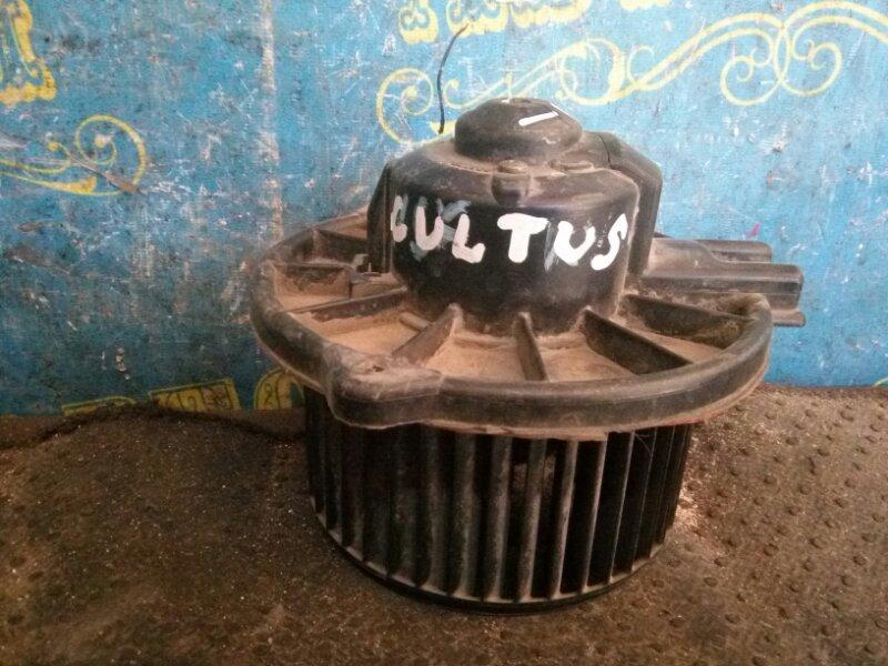 Мотор печки Suzuki Cultus GC21W передний
