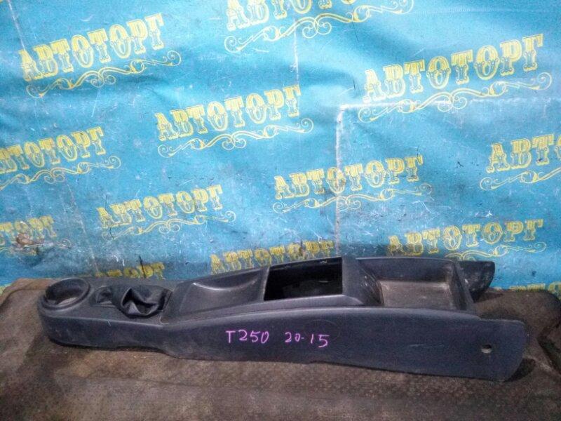 Бардачок между сиденьями Chevrolet Aveo T250 F14D4 2008