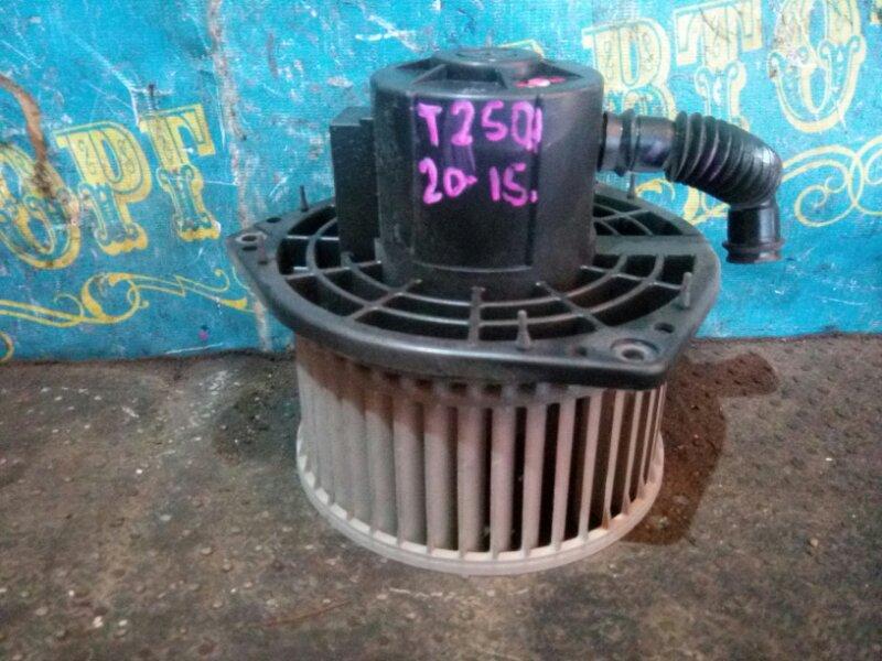 Мотор печки Chevrolet Aveo T250 F14D4 2008 передний