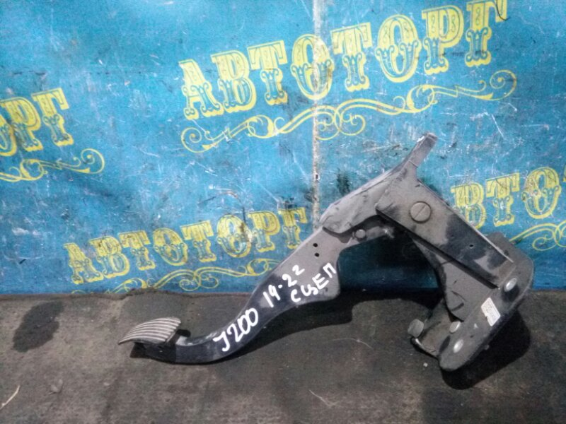 Педаль сцепления Chevrolet Lacetti J200 F16D3 2012
