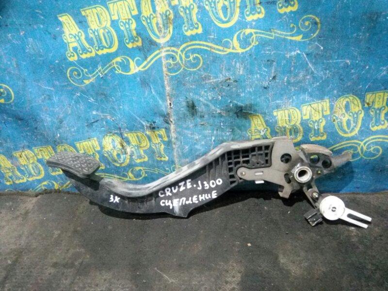 Педаль сцепления Chevrolet Cruze J300 F16D3 2011