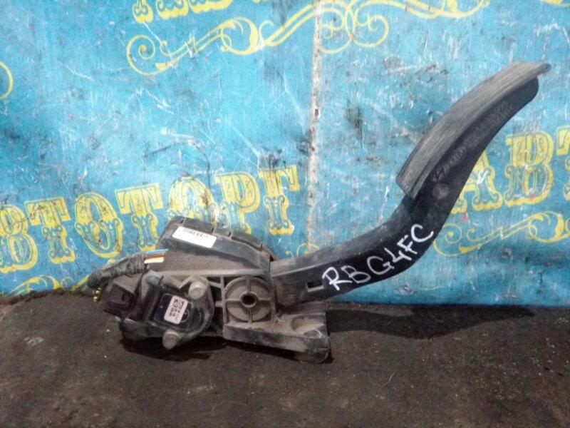 Педаль подачи топлива Hyundai Solaris RB G4FC 2013